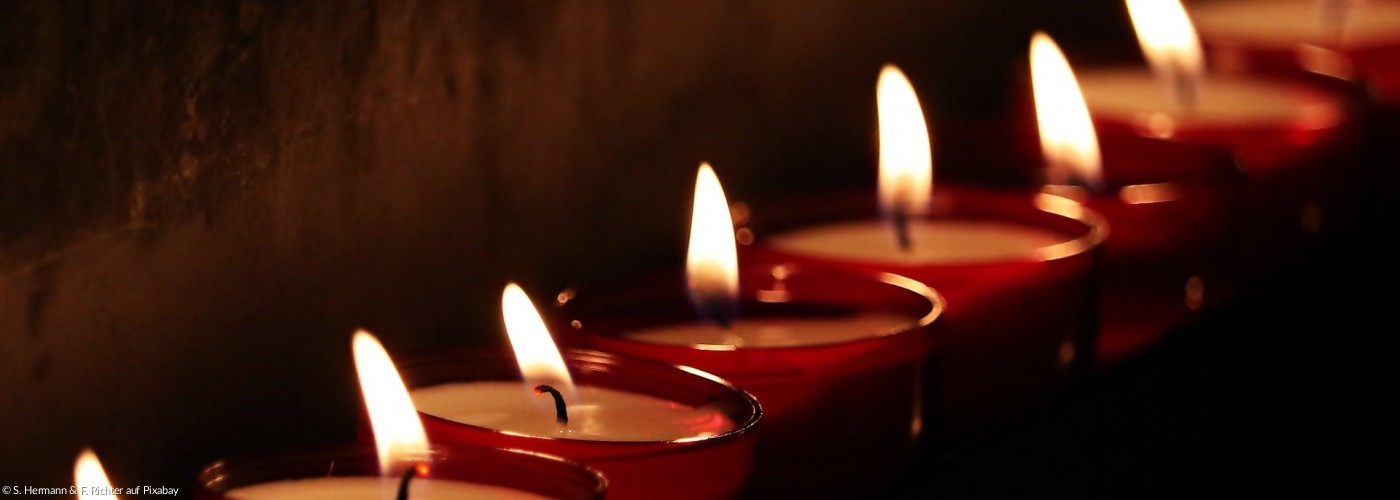 Leuchtende Kerzen