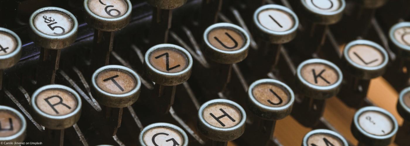 Kontakt Pfarramt Schreibmaschine